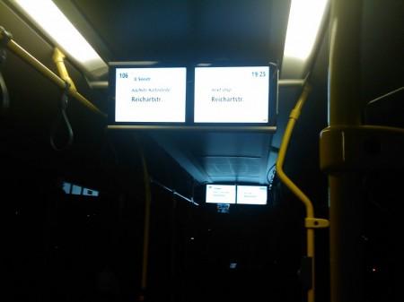 BVG-Anzeigesystem-im-Bus